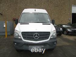 14 15 16 17 18 Mercedes Sprinter 25 Côté Gauche Fender (arctic White9147)