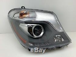 Complète 14 15 16 Mercedes Sprinter Passenger Côté Droit Rh Xenon Hid Oem Headli