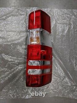 Véritable Mercedes 906 Châssis Sprinter Tail Light, Côté Passager 9068202764