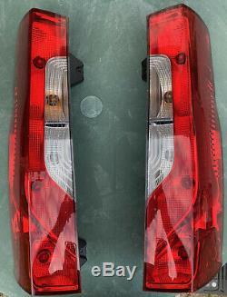 Véritable Mercedes Sprinter Deux Côtés Arrière Light & Ampoules Support & Ampoules Complètes